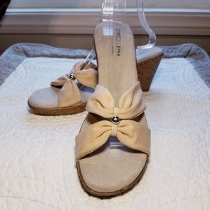 PREDICTIONS nude cream slide wedge sandals heels